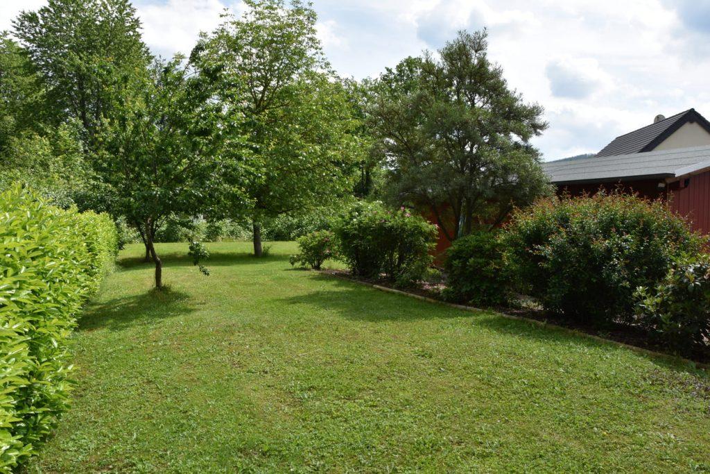 Garten rund um Pias Bahnhof