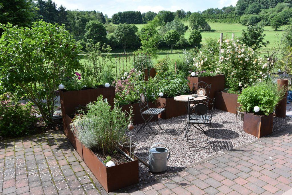 Ausstattung im Garten